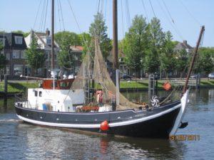 """Noordzeebotter UK 91 """"DE JONGE ALBERT"""" ( ONDER BOD )"""
